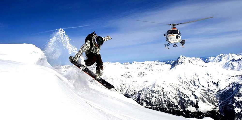 Heli-skiing Adventure in India